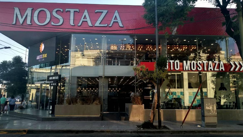 Conexión clandestina en un local de Mostaza