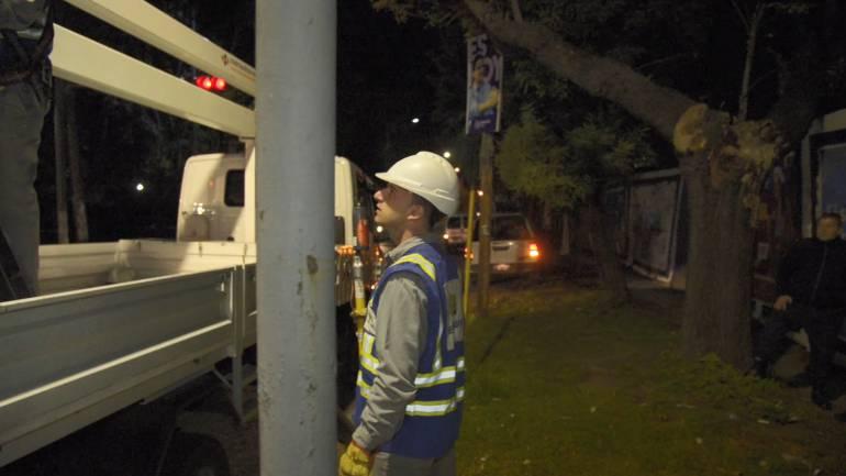 Obras de noche: digitalización de la red en Quilmes