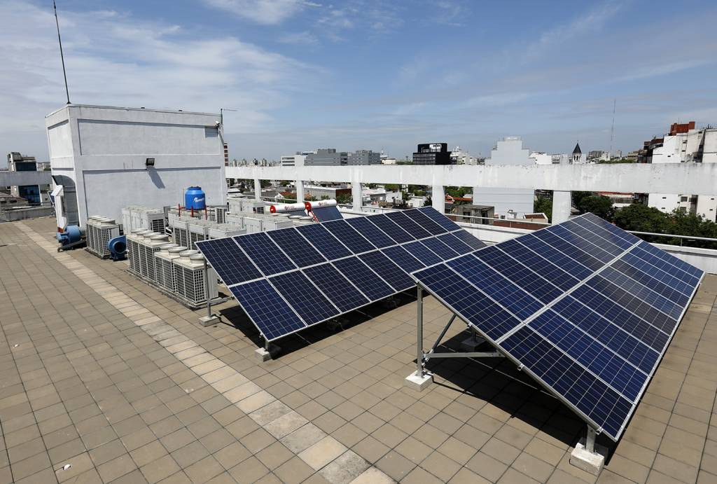 Paneles solares de EXO en Parque Patricios