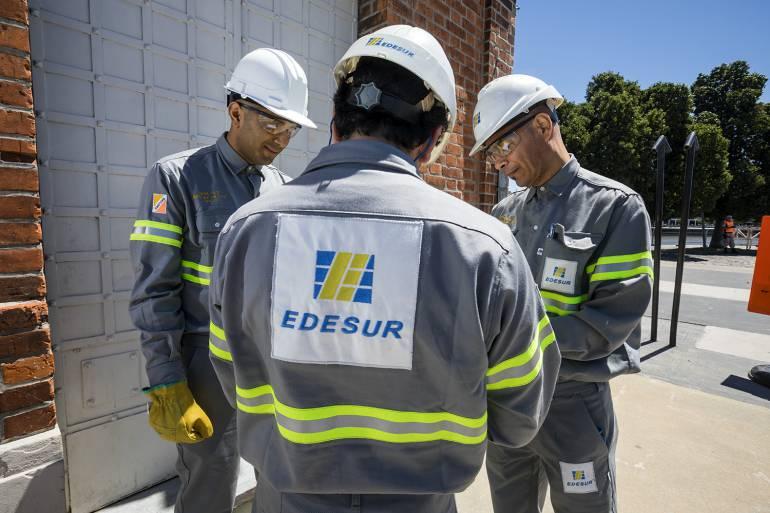 ¿Cómo se protegen nuestros técnicos para trabajar con electricidad?