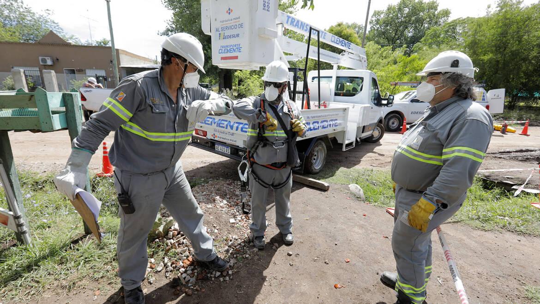 Edesur benefició a 7.415 hogares con obras de normalización en barrios populares