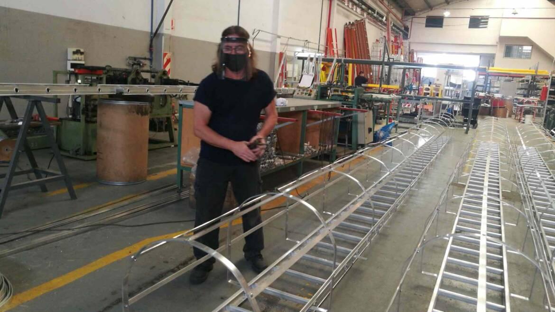 Argensafe fabrica 600 escaleras dieléctricas por año para nuestros operarios